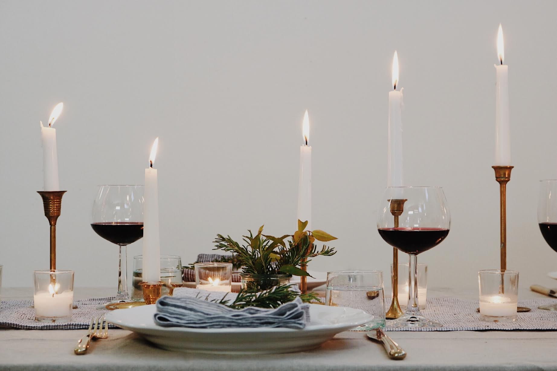 How To Create A Budget Friendly Neutral Tablescape