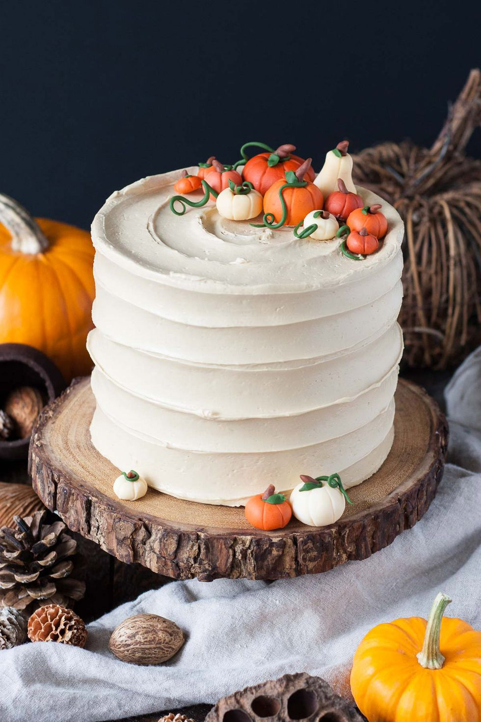 halloween-dinner-party-cake-1536679426.jpg
