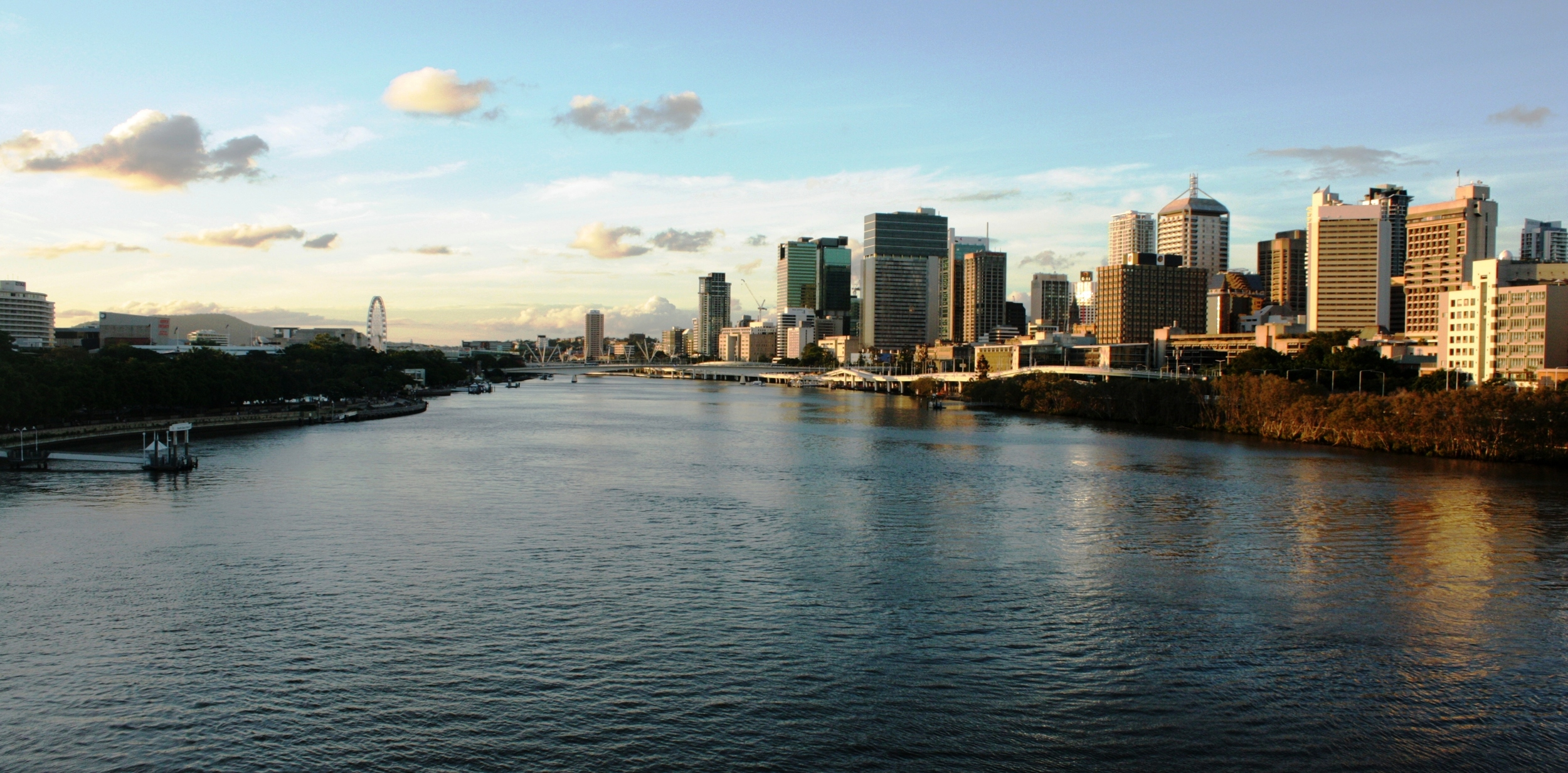 Brisbane river and center