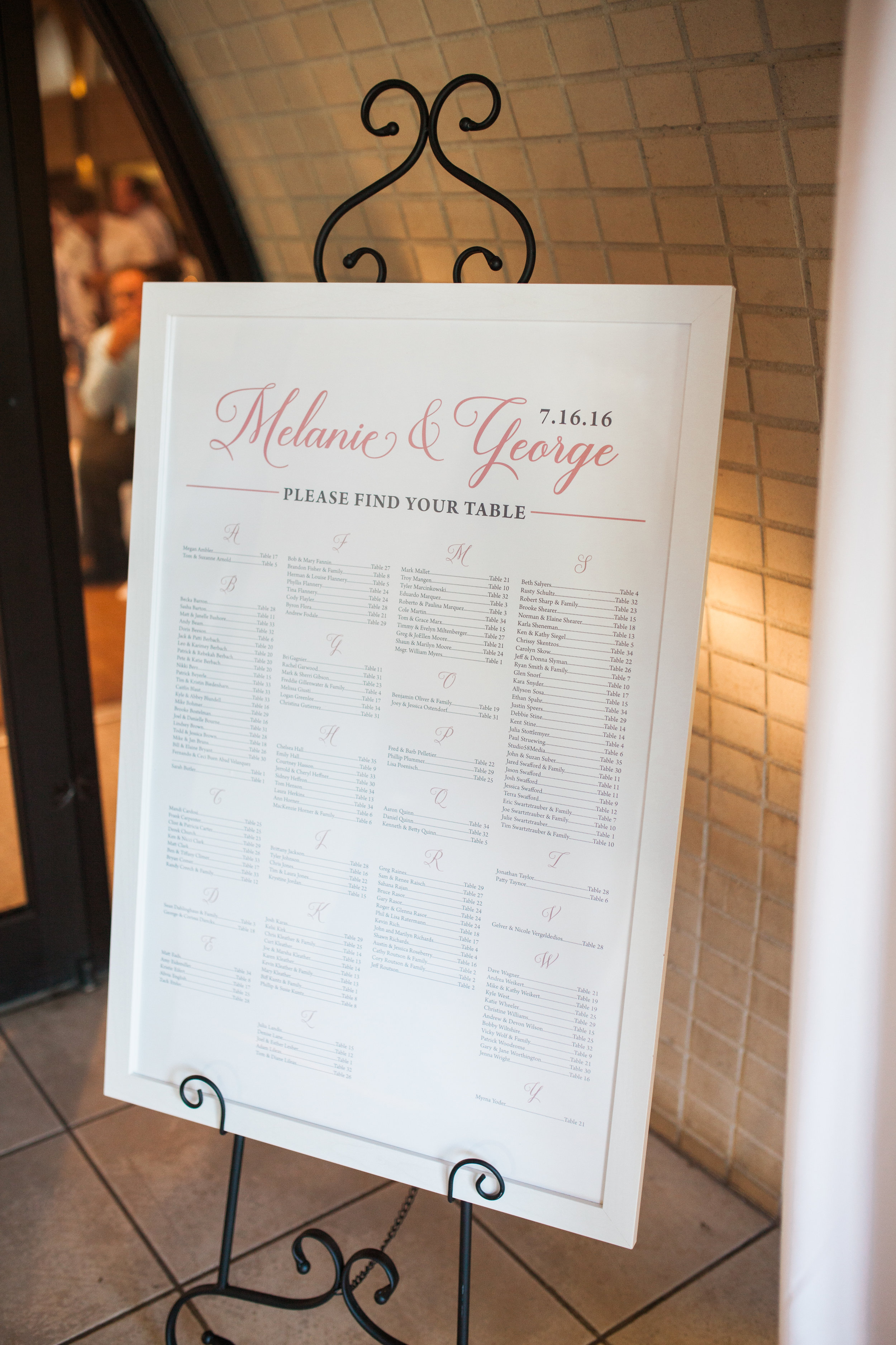 wedding-seating-chart-in-frame