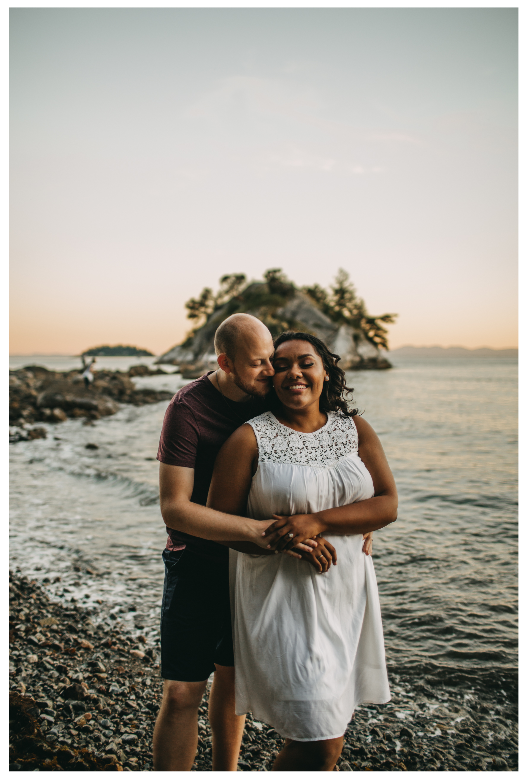 beach sunset engagement whytecliff couple