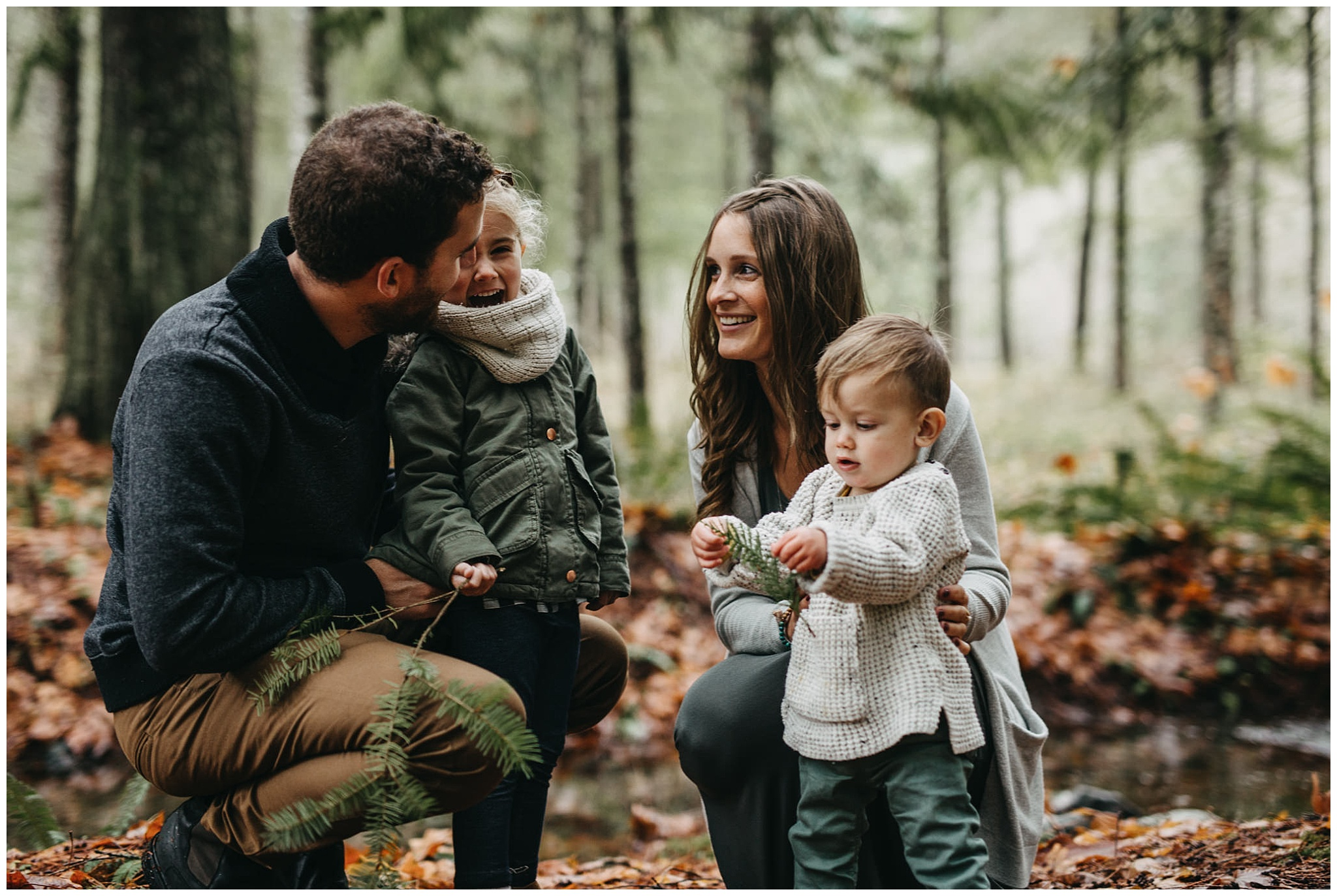 mom dad daughter son family photos chilliwack forest play leaf