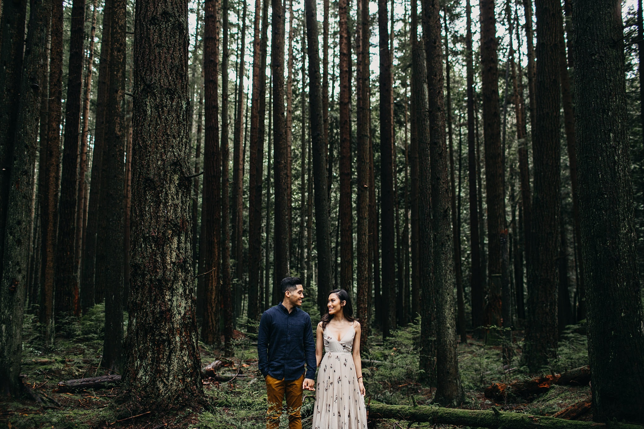 aileen-choi-photo-intimate-in-home-session-pacific-spirit-park-engagement_0109.jpg
