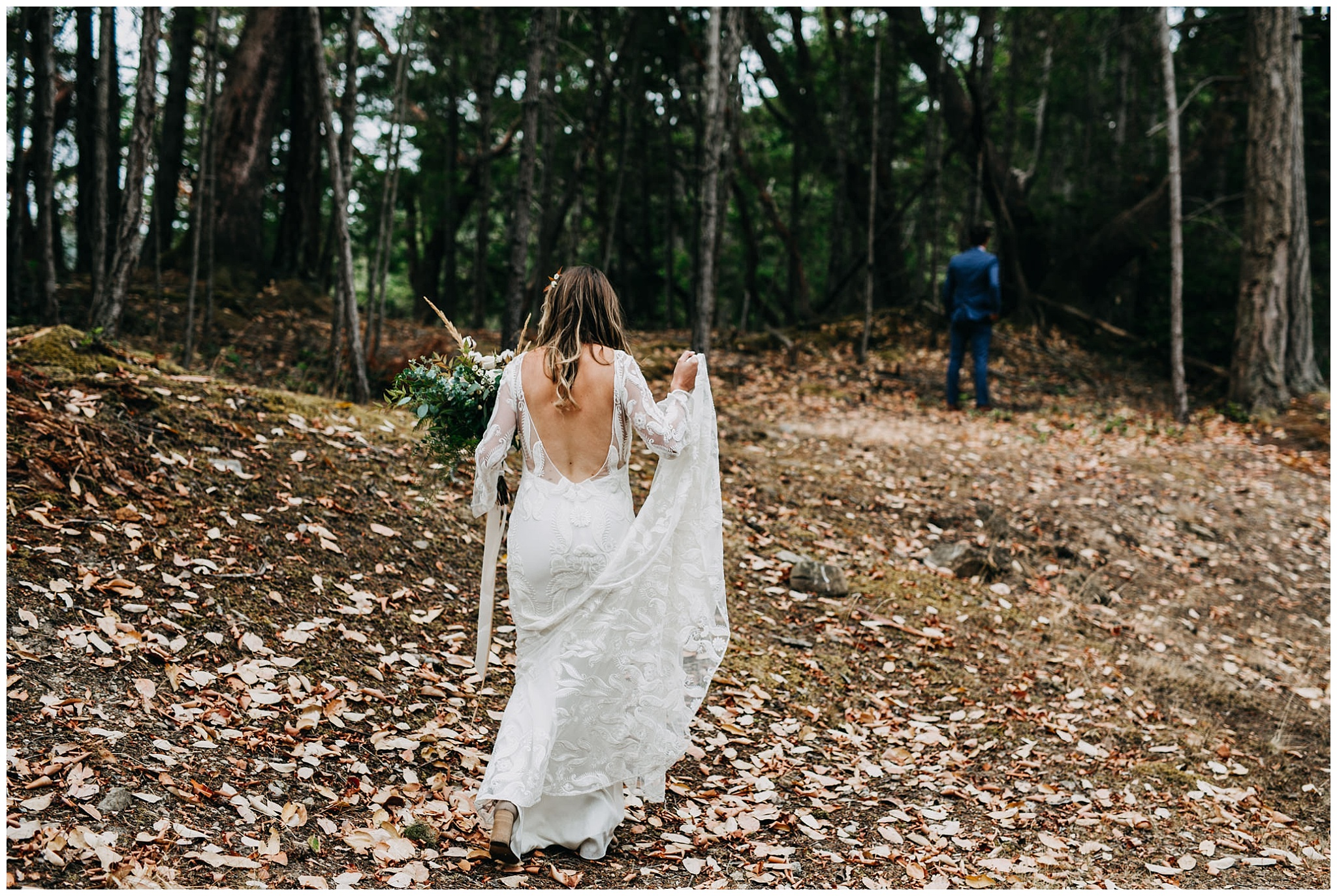 mayne-island-backyard-wedding_0011.jpg