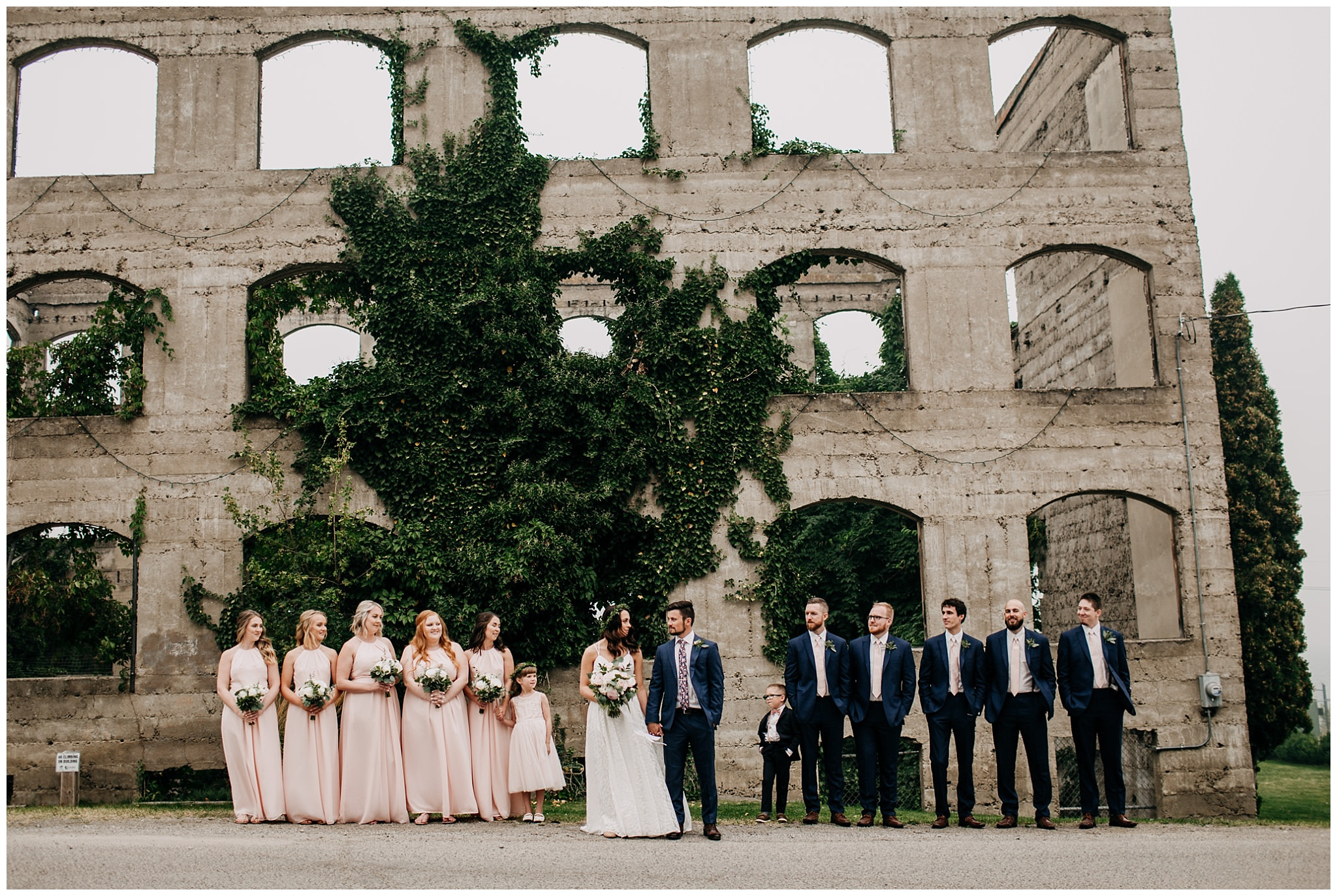 wedding party portrait at linden gardens wedding