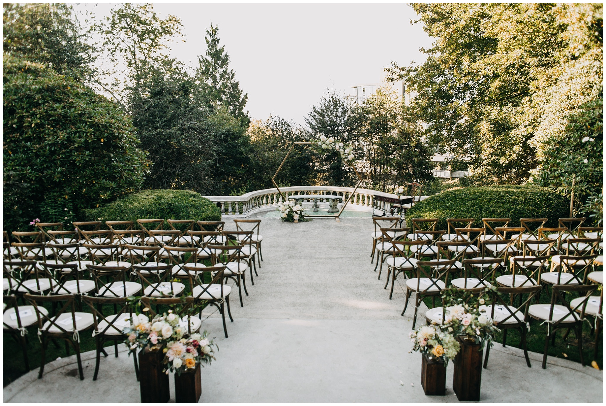 ceremony decor at hycroft manor wedding