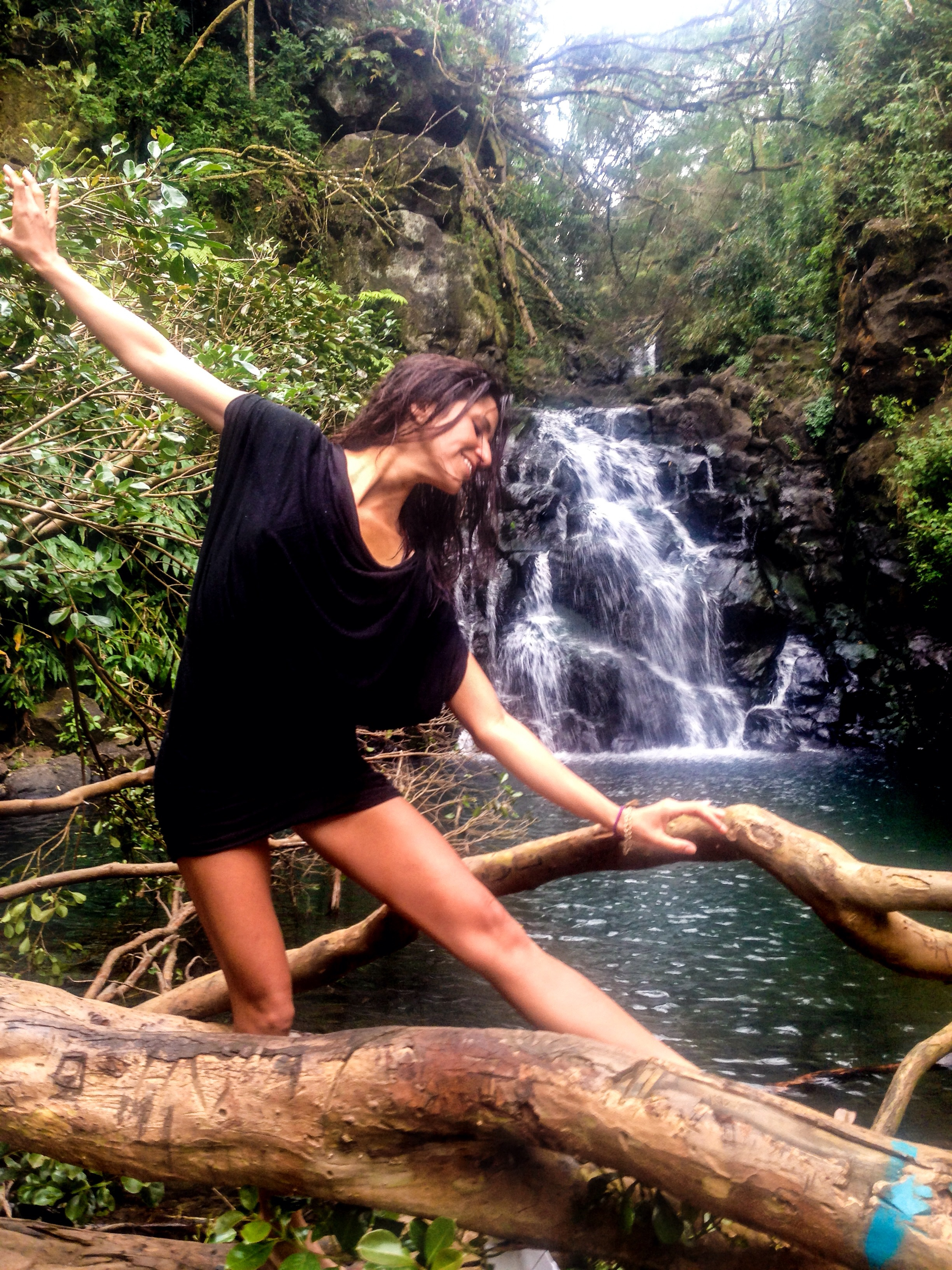 A little ballet for the waterfall.
