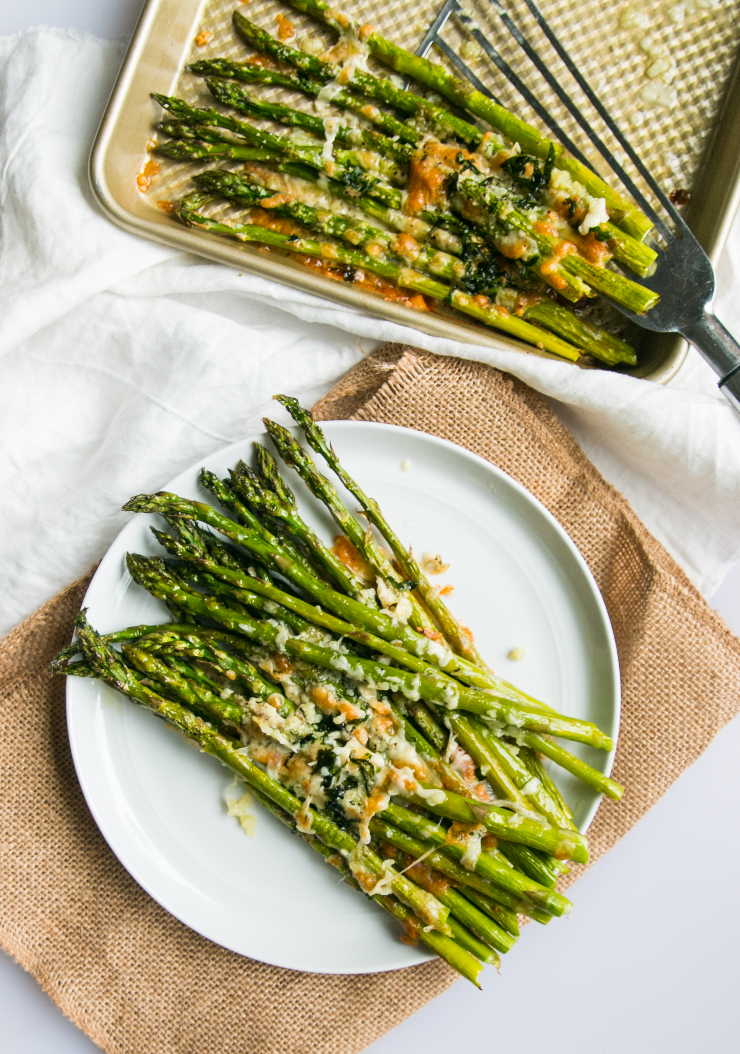 roasted asparagus with cheese and herb