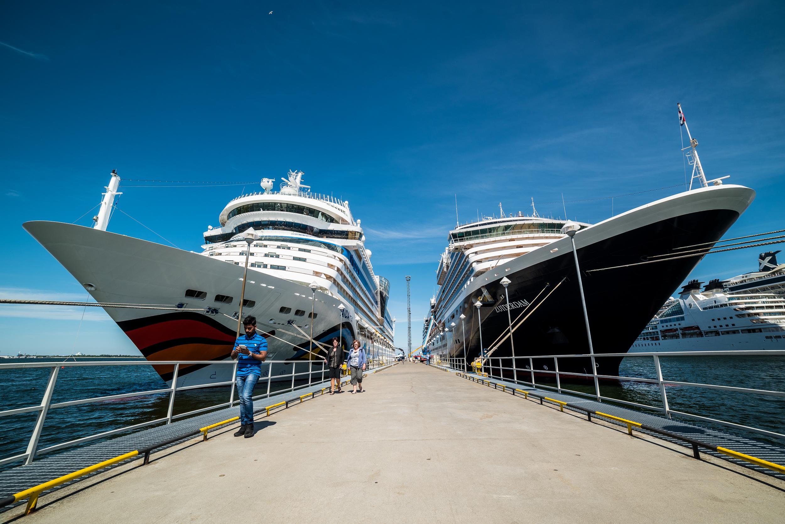 AidaMar meets Holland America Lines in Tallinn, Estonia.