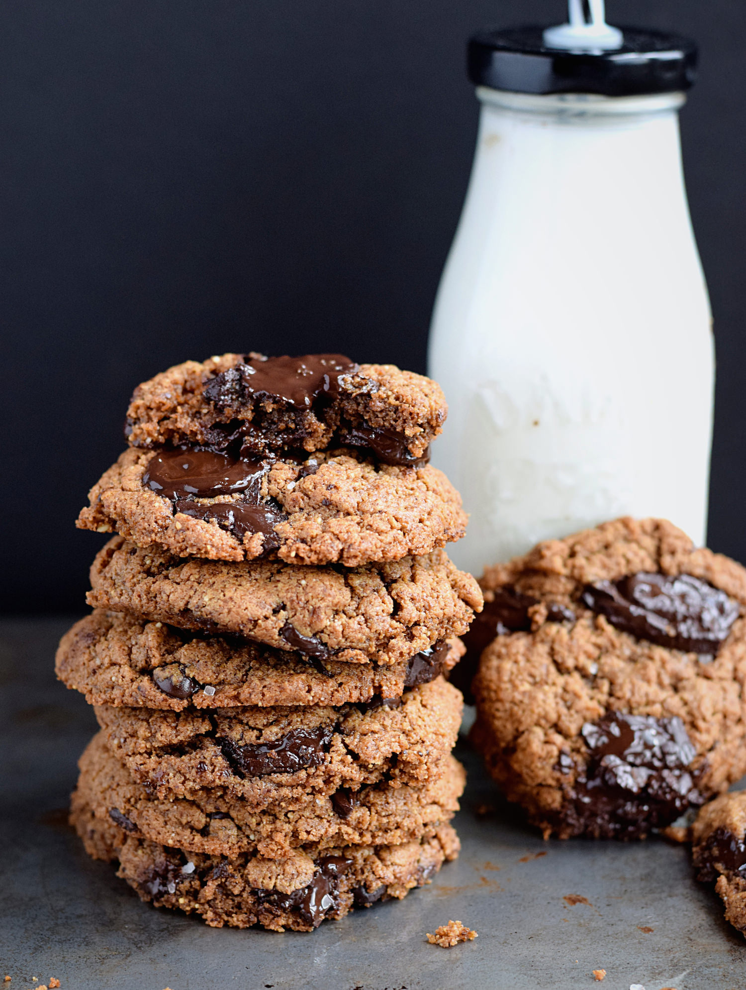 Wholesome Flourless Almond Butter Cookies – soft, chewy cookies loaded with chocolate chunks made without any gluten, dairy, oil, or refined sugars. Seriously addictive!   trufflesandtrends.com