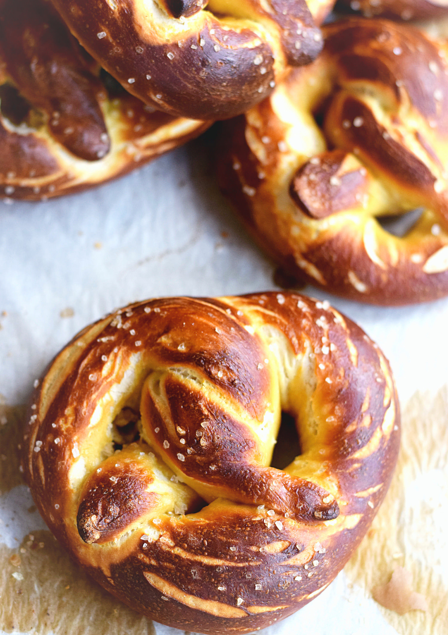 Buttery Soft Pretzels – these buttery, fluffy, soft pretzels are better than any mall or frozen versions out there. Must make! | trufflesandtrends.com