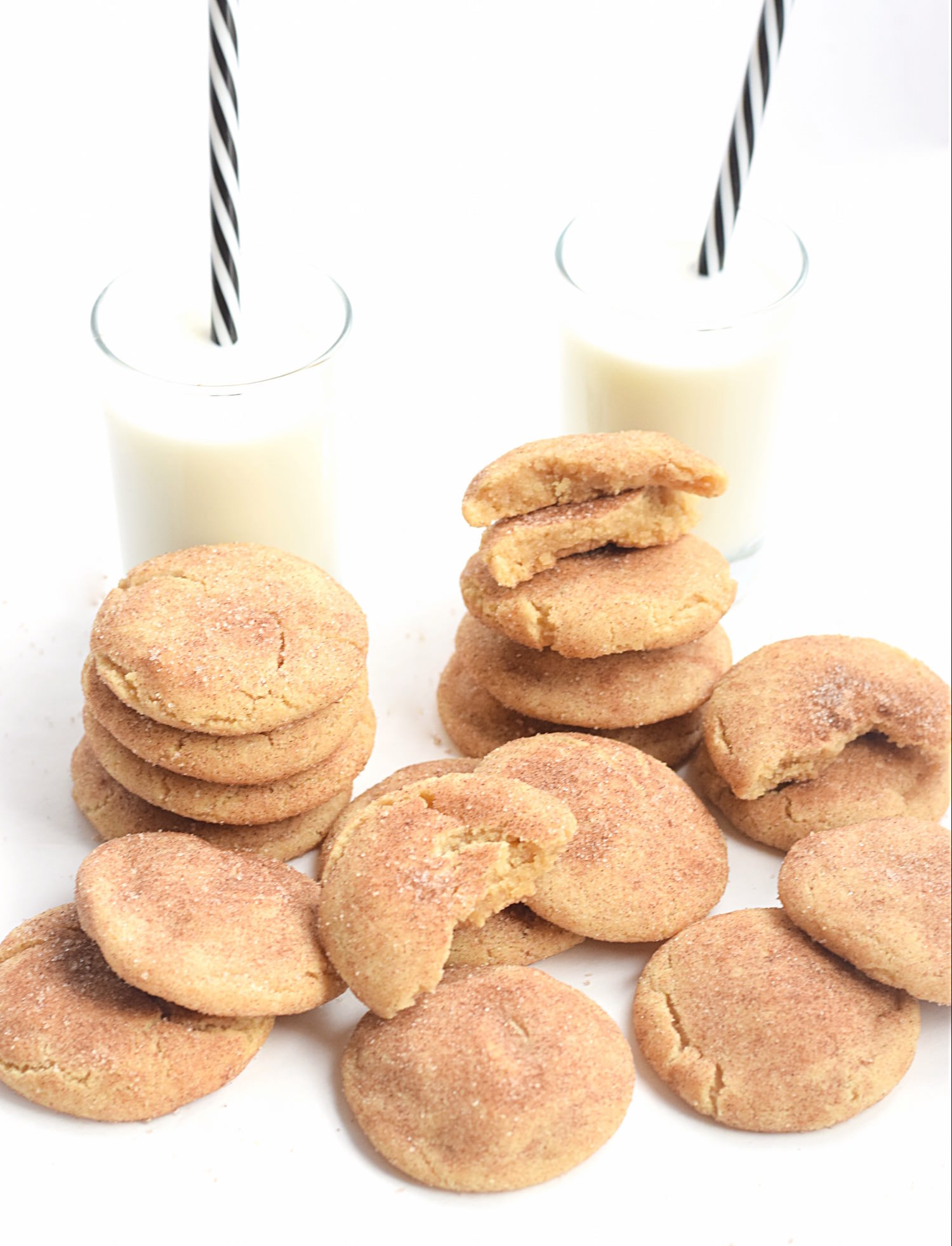 The Best No-Butter Snickerdoodle Cookies: sink your teeth into these super soft, gooey, thick cookies made in minutes with coconut oil! Addictive! | TrufflesandTrends.com