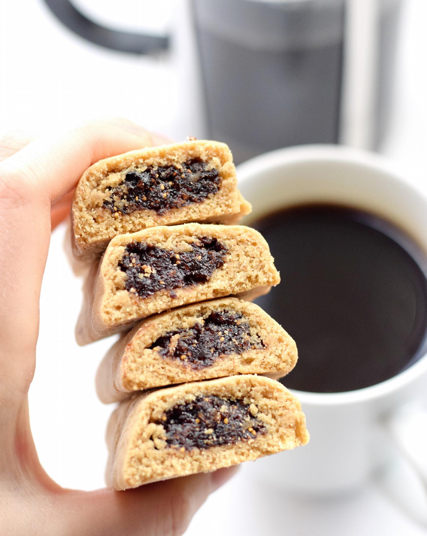 Homemade Fig Newtons | TrufflesandTrends.com