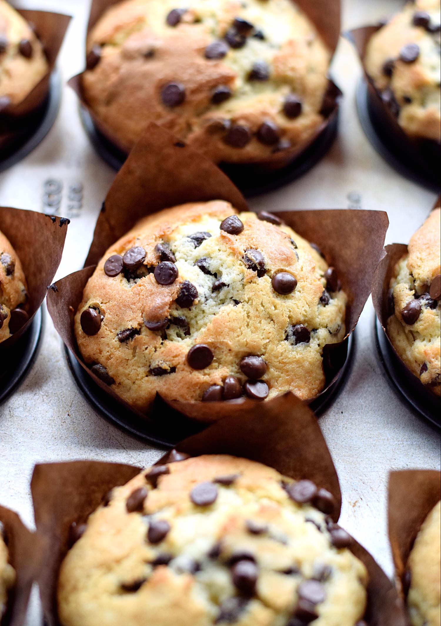 Amazing Chocolate Chip Muffins | TrufflesandTrends.com