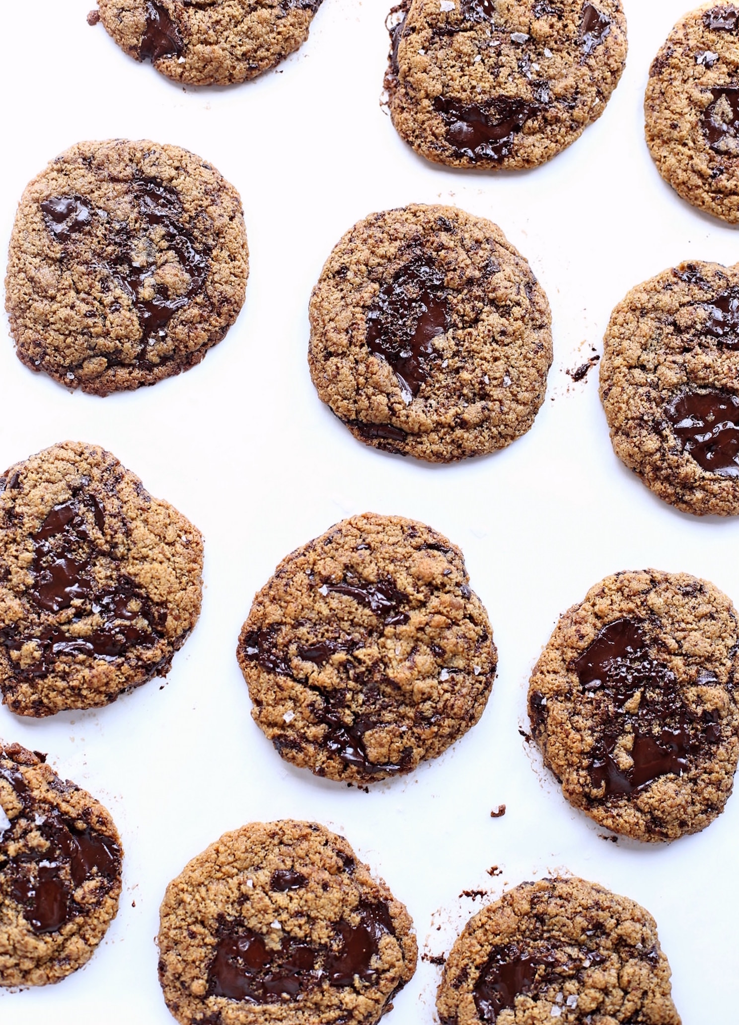 Wholesome Flourless Tahini Cookies: super chewy tahini cookies packed with chocolate chunks and flavor. So easy and nutritious too! | TrufflesandTrends.com