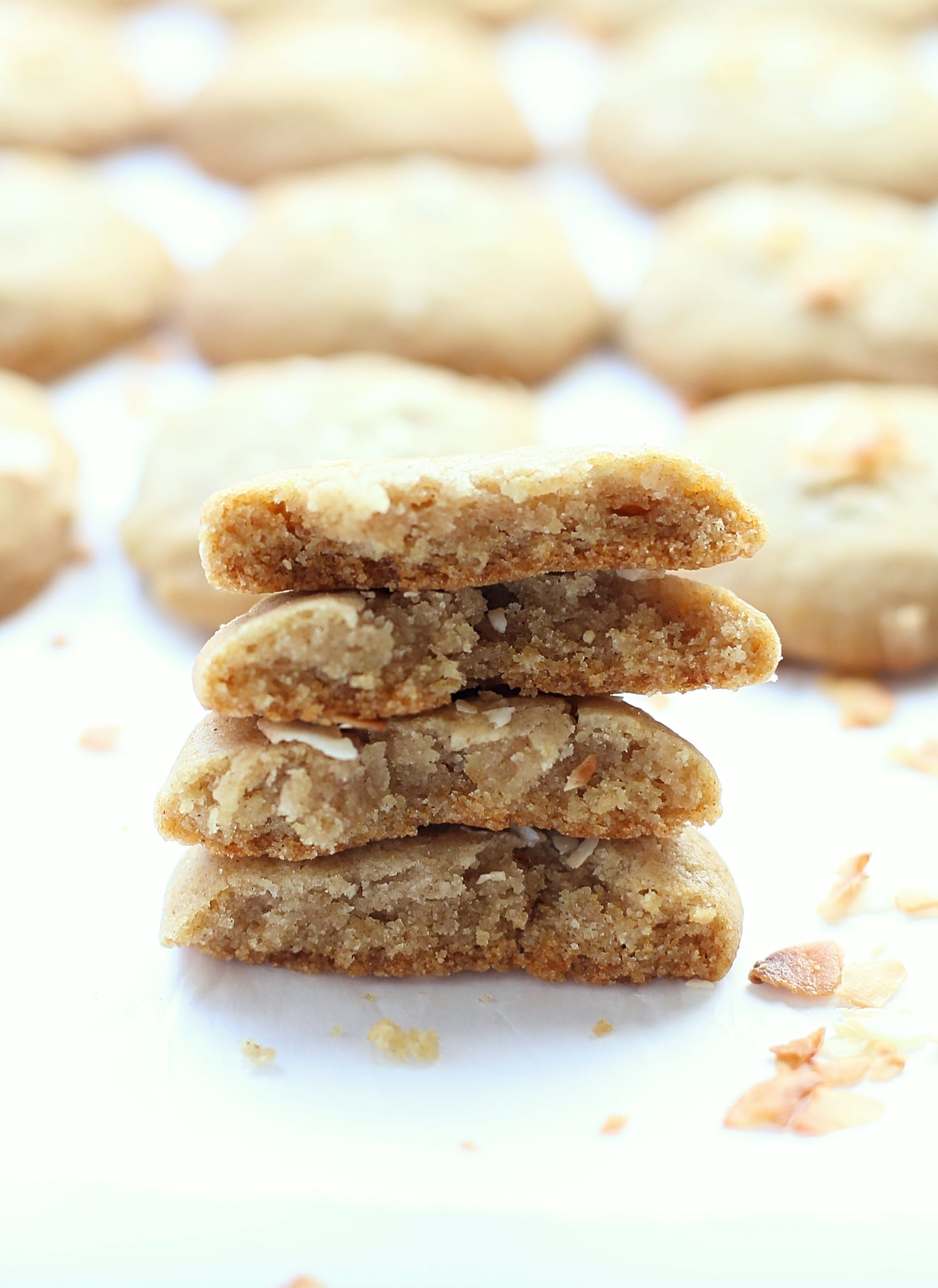 No-Butter Soft Honey Cookies: soft, chewy, rich one bowl honey cookies made with coconut oil. Perfect for Rosh Hashanah! | TruffleandTrends.com