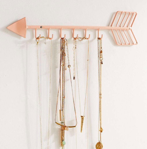 UO Arrow Necklace Organizer