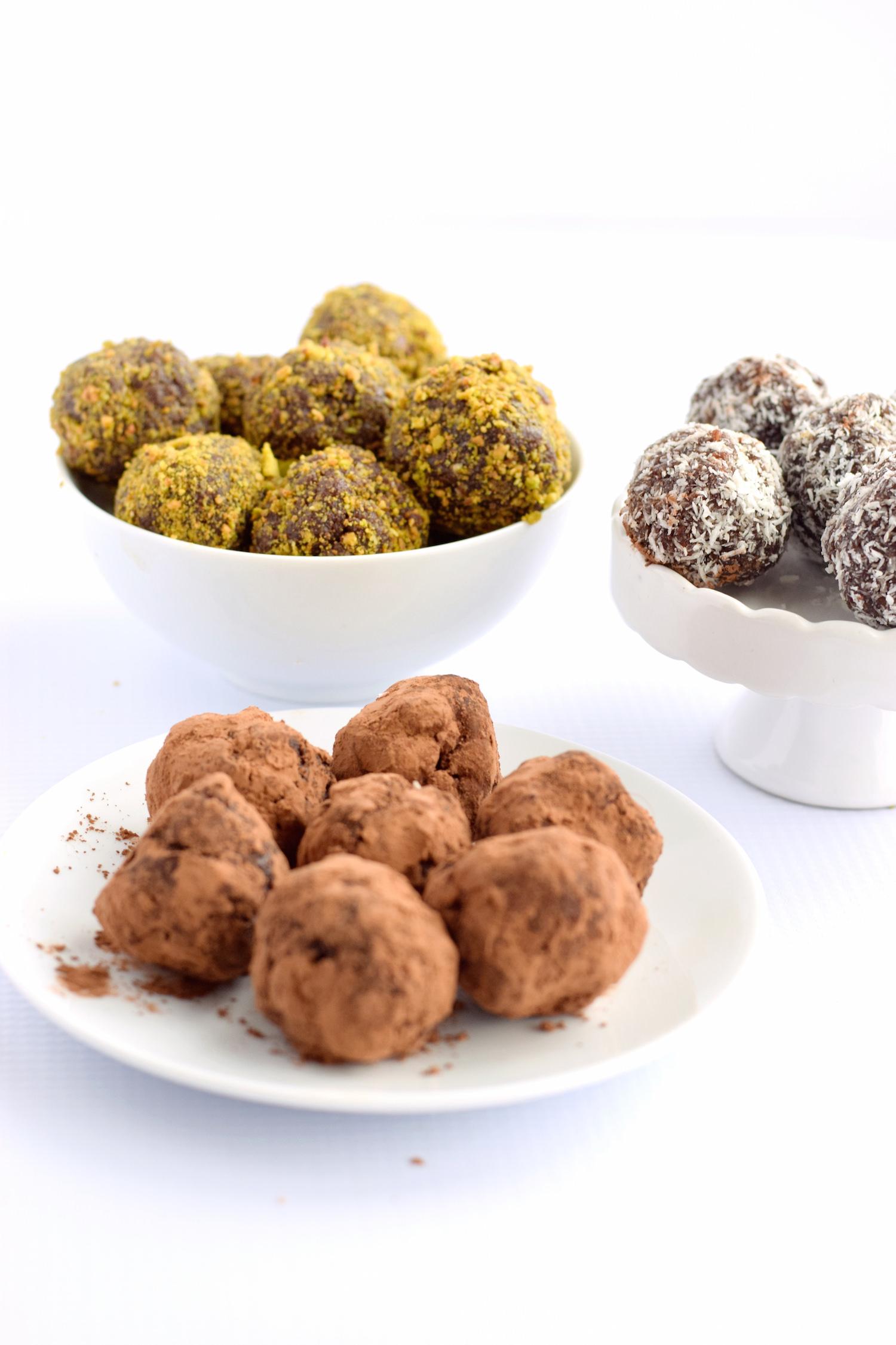 Date Nut Truffles | TrufflesandTrends.com