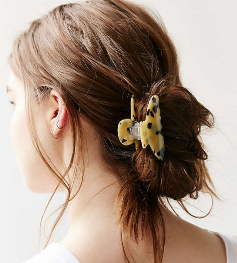 UO Tortoise Claw Hair Clip