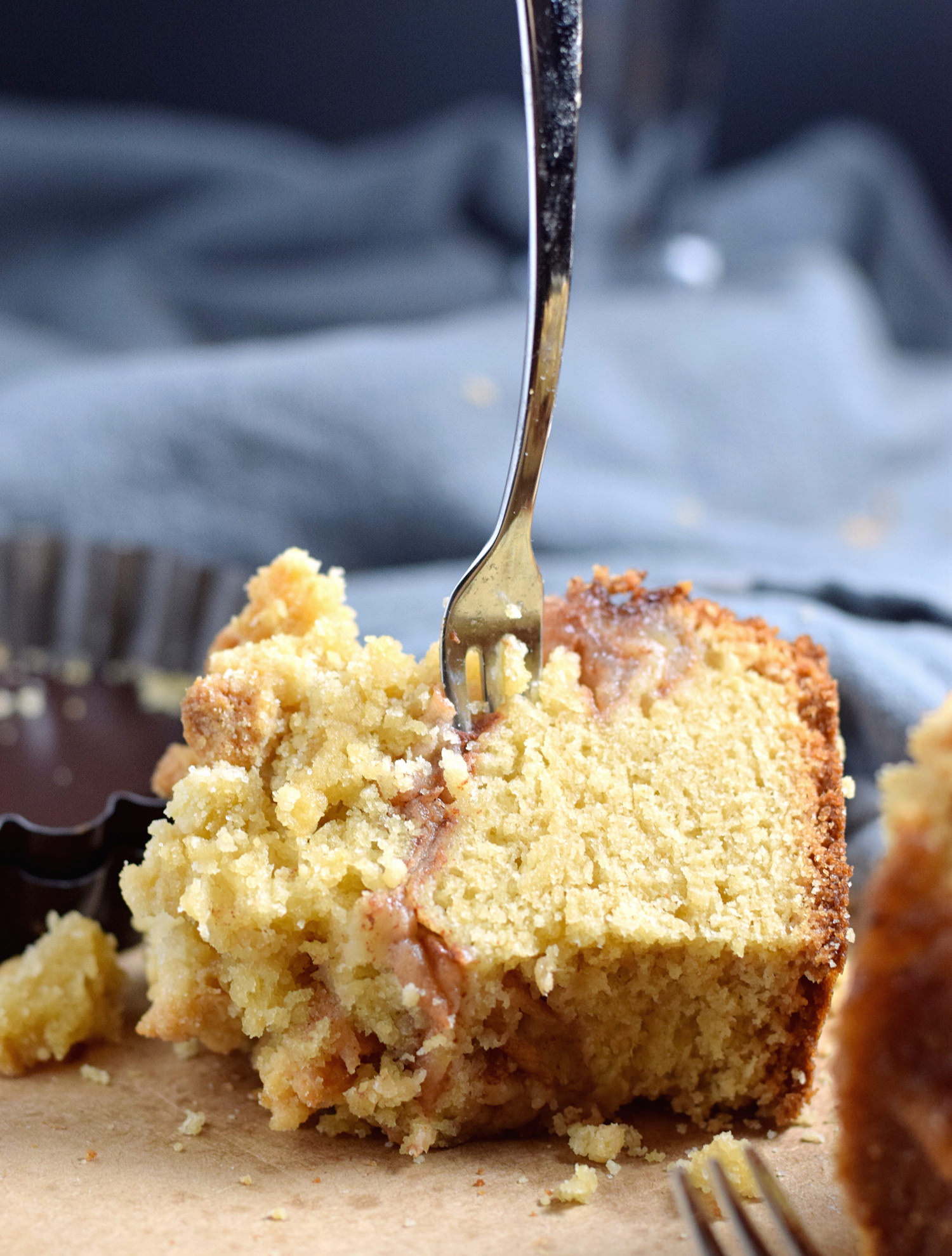 Apple Crumb Cake | TrufflesandTrends.com