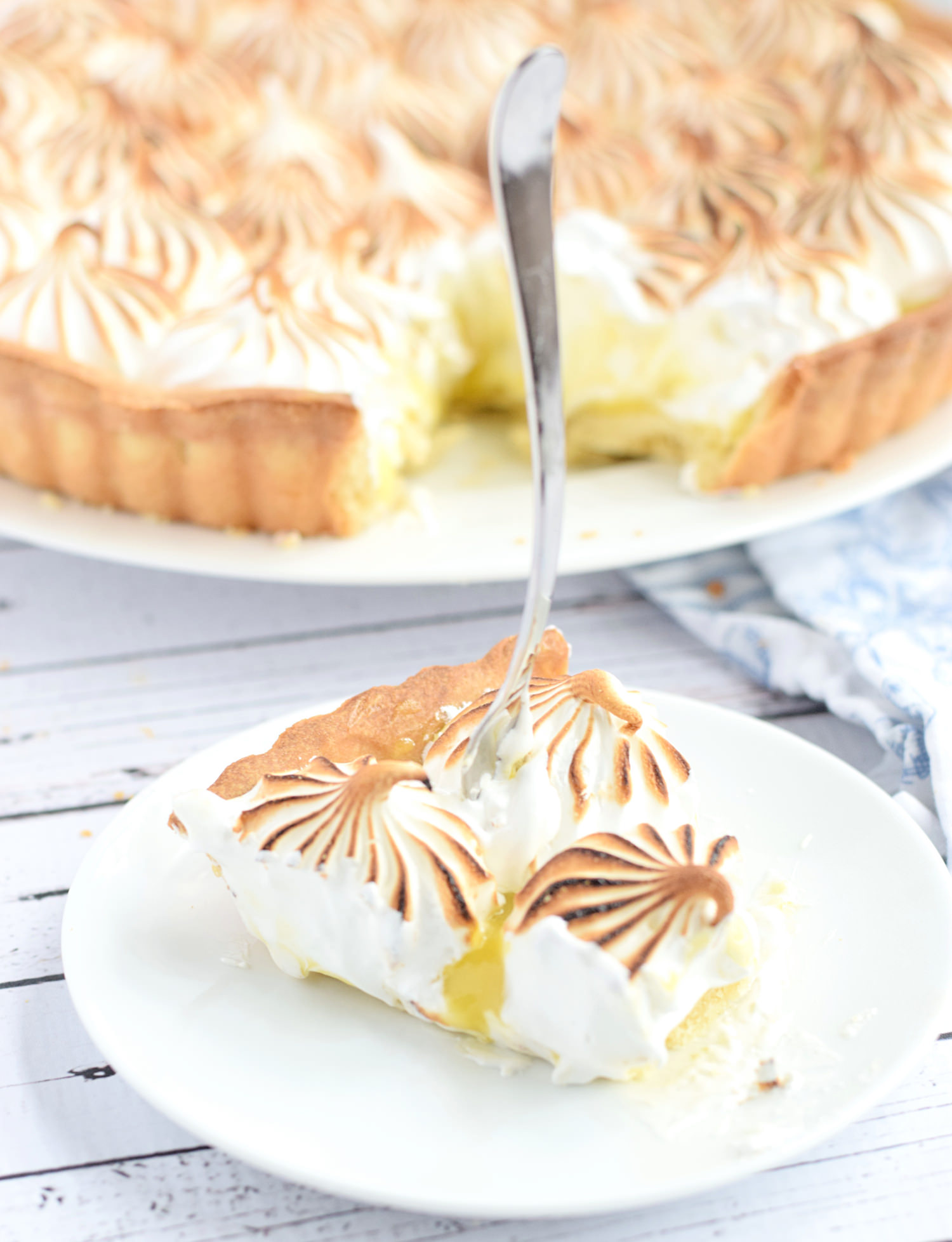 Lemon Meringue Pie | TrufflesandTrends.com