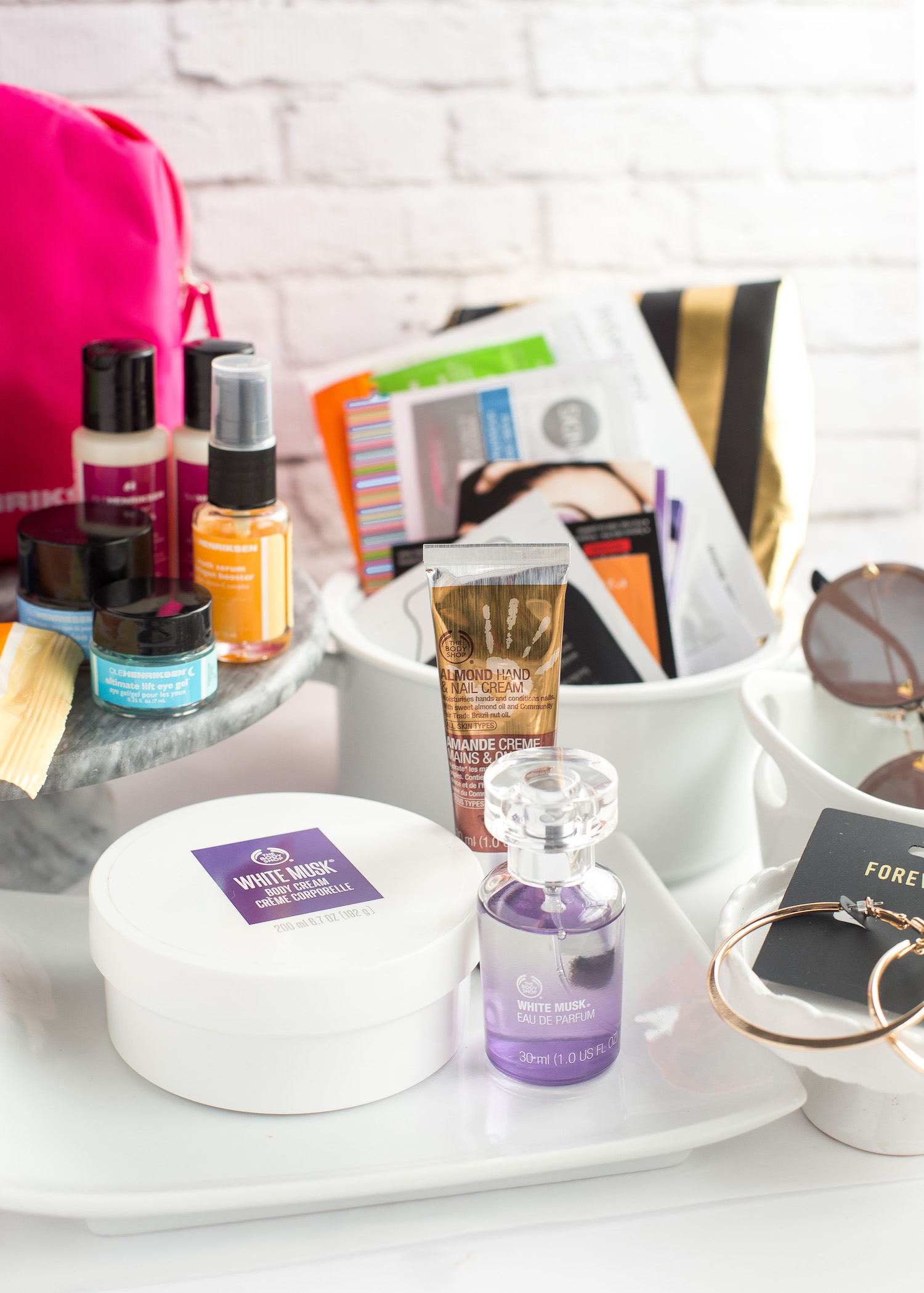 Holiday Giveaway 2017 | TrufflesandTrends.com