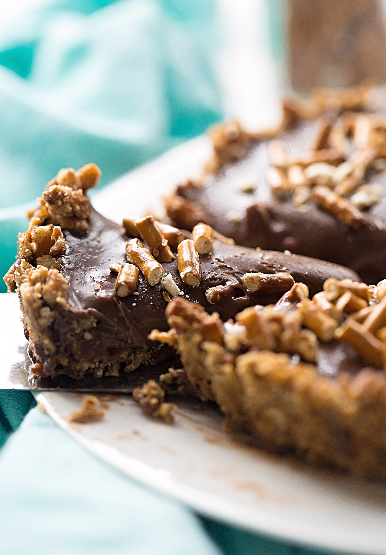 Pretzel Crust Milk Chocolate Tart | TrufflesandTrends.com