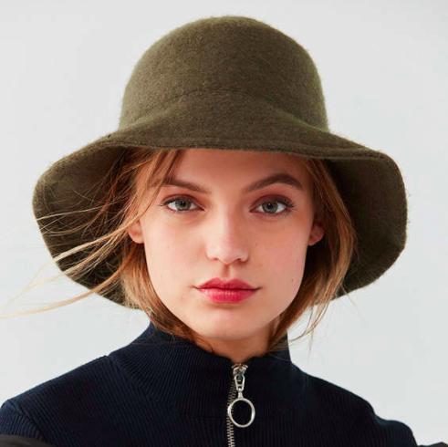 UO Cozy Wool Bucket Hat
