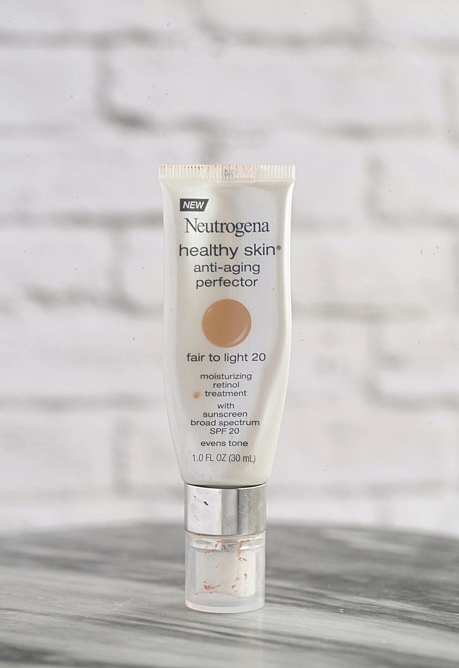 New Favorite Beauty Buys- Neutrogena Healthy Skin Tinted Moisturizer | TrufflesandTrends.com