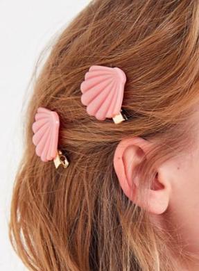 UO Totally Beachin' Shell Hair Clip Set