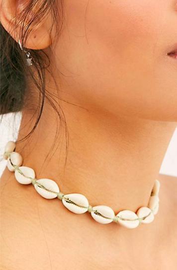 Waikiki Waves Shell Necklace