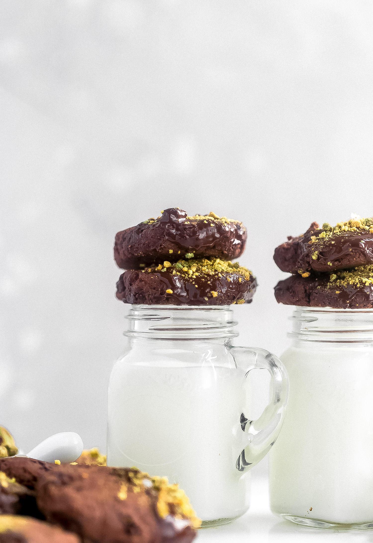 Double Chocolate Pistachio Shortbread Cookies: tender, crispy, rich chocolate shortbread cookies with chocolate shards and a melted chocolate, chopped pistachio garnish.   TrufflesandTrends.com