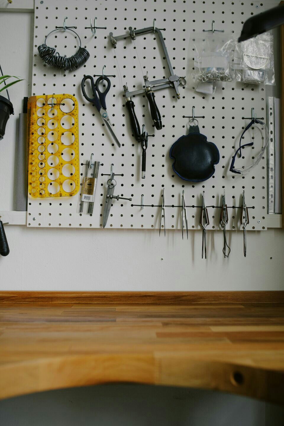 Bench and tools