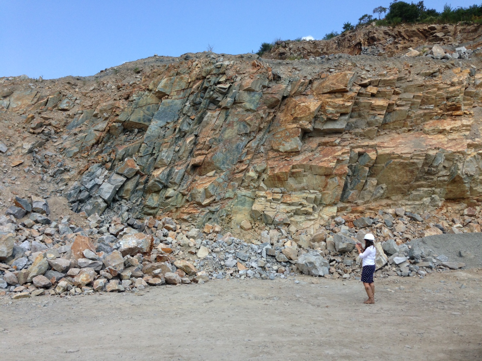 View of granite vein at Tilcon Quarry in Northern New Jersey.