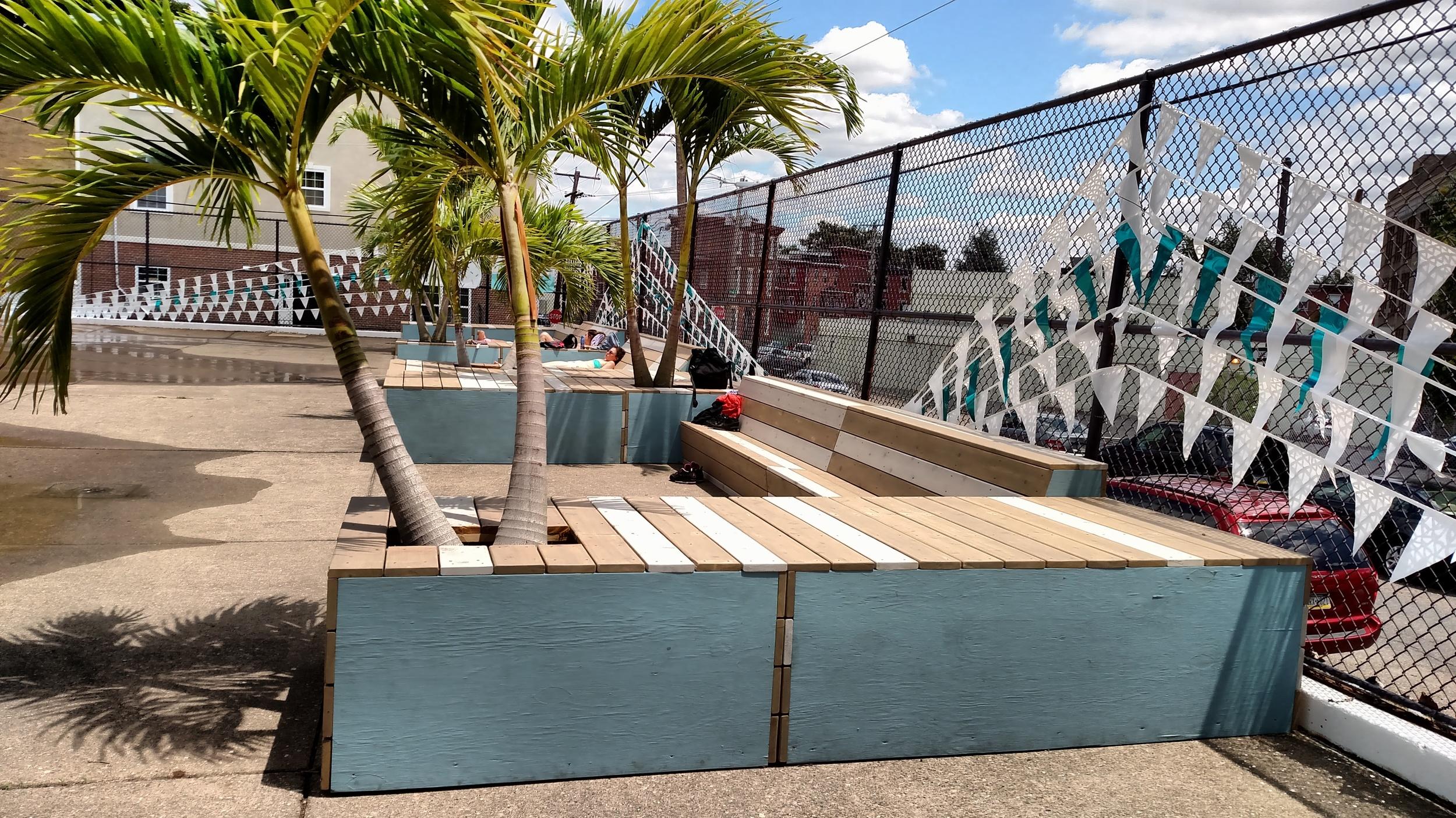 deck lounger3.jpg
