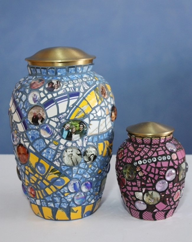two-urns-500-1.jpg
