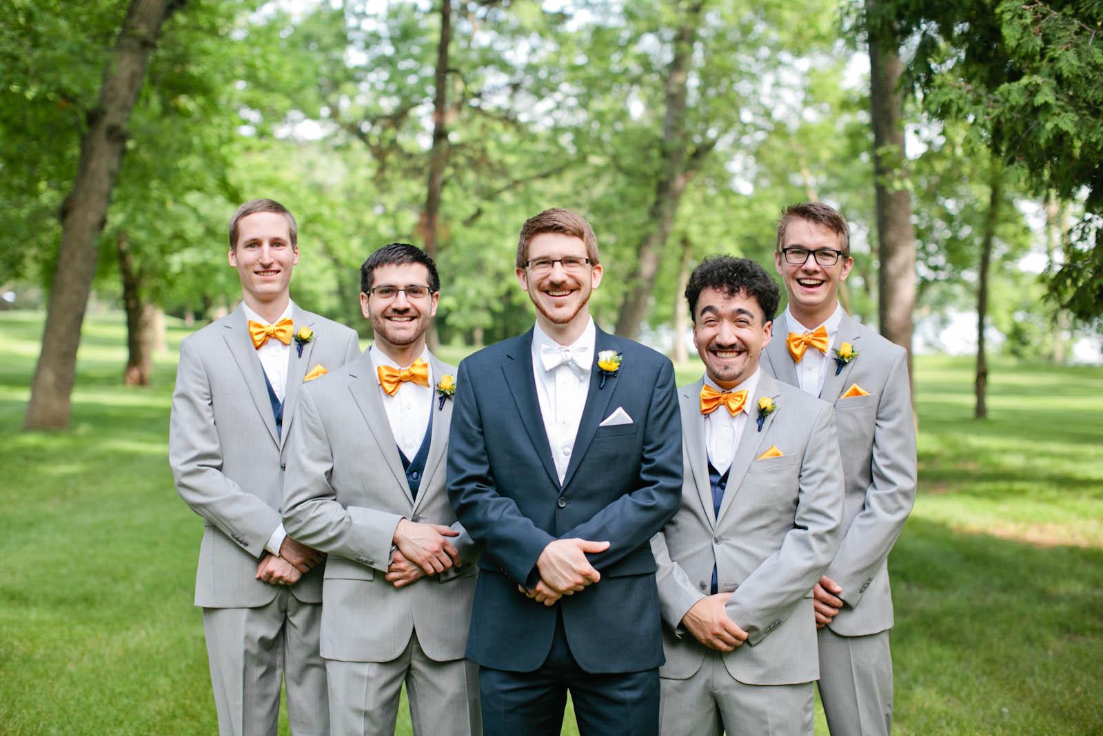 fun groomsmen wedding photo minnesota photographer