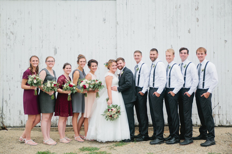 Des Moines wedding photographer Amelia Renee