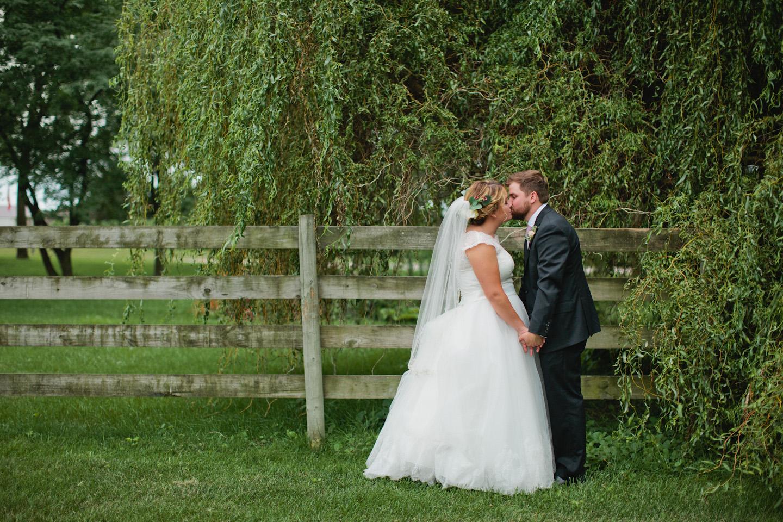 rustic wedding photographer Iowa