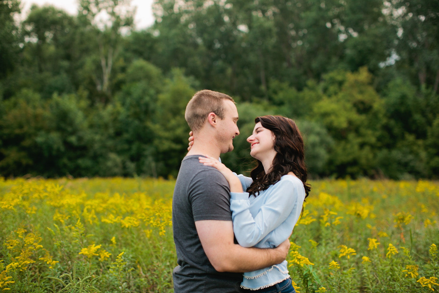 creating natural engagement photos poses