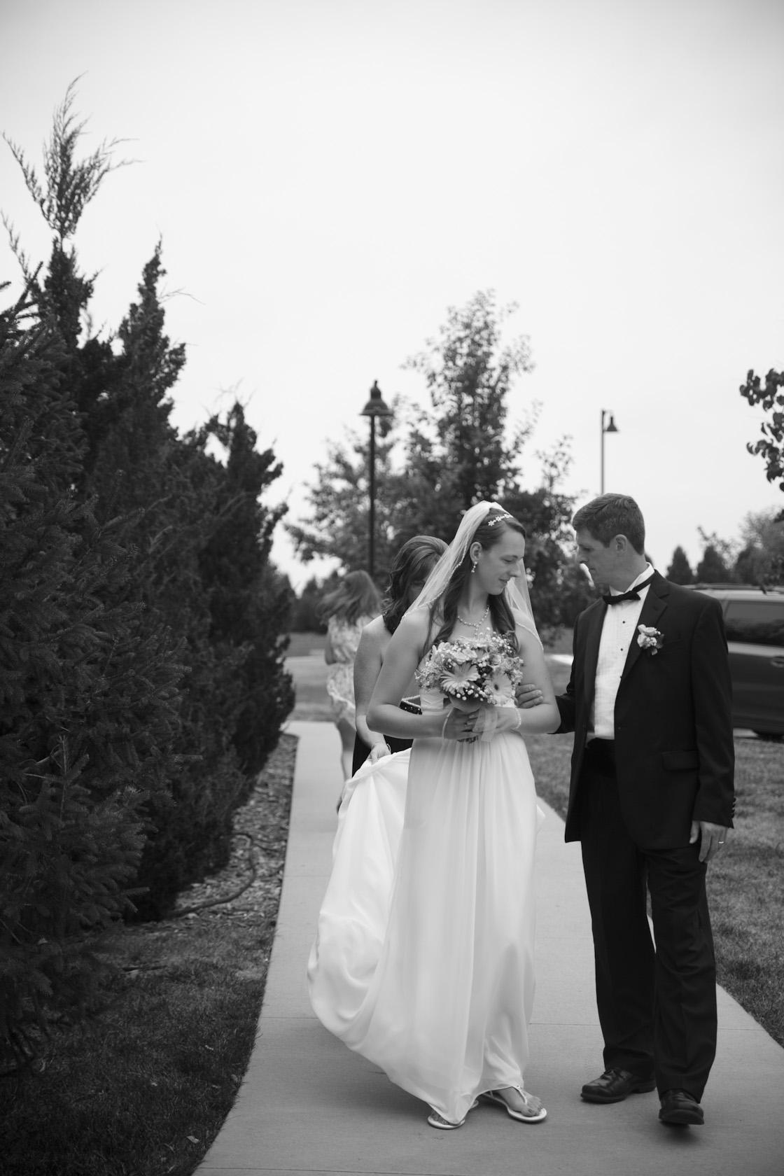Classic Minneapolis wedding photographer