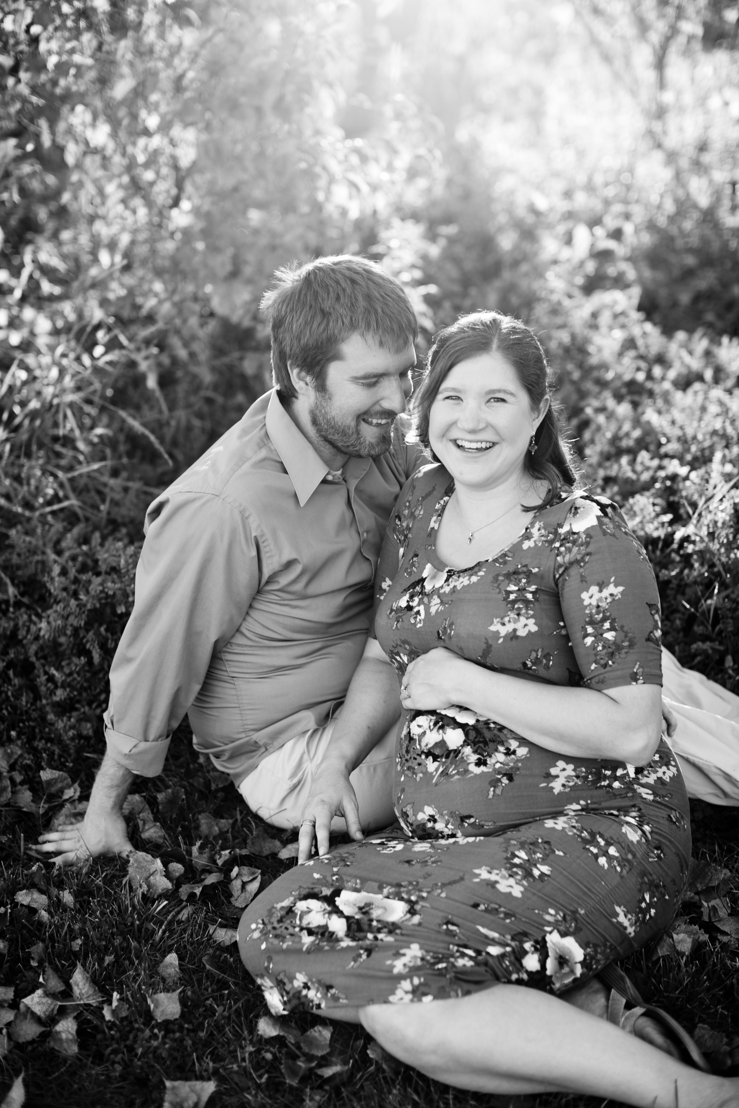 maternity photos outside in the fall Iowa