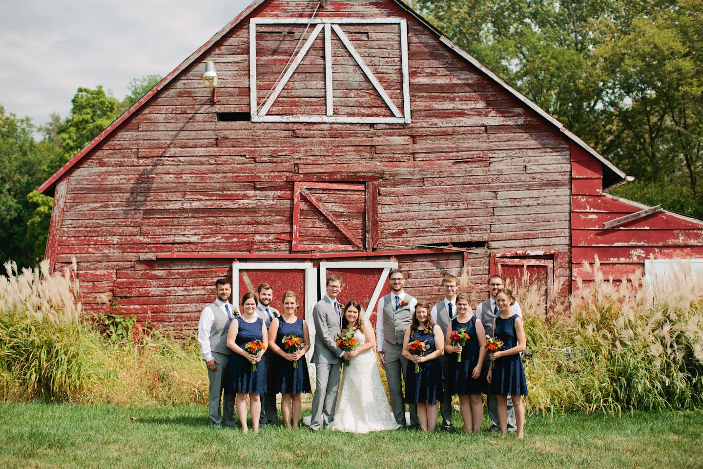 Iowa barn wedding photography