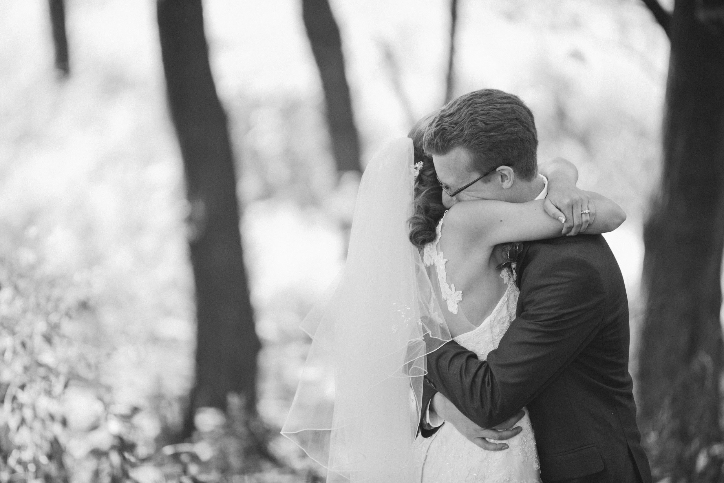 Amelia Renee Photography is one of the best and affordable wedding photographers Minneapolis