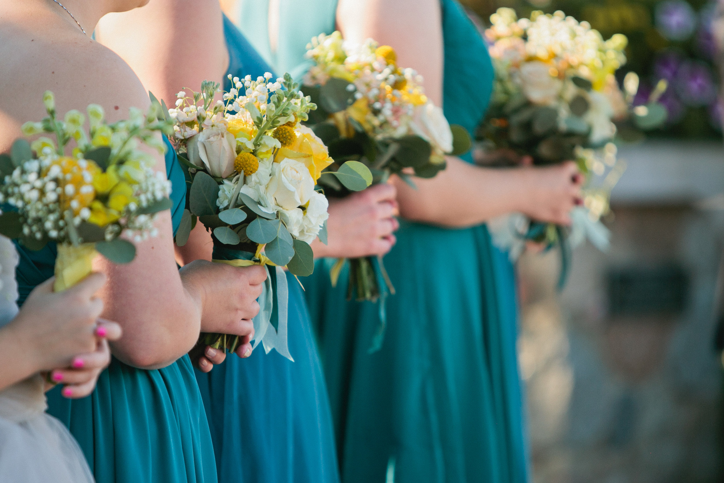 outdoor weddings in Iowa gardens and parks