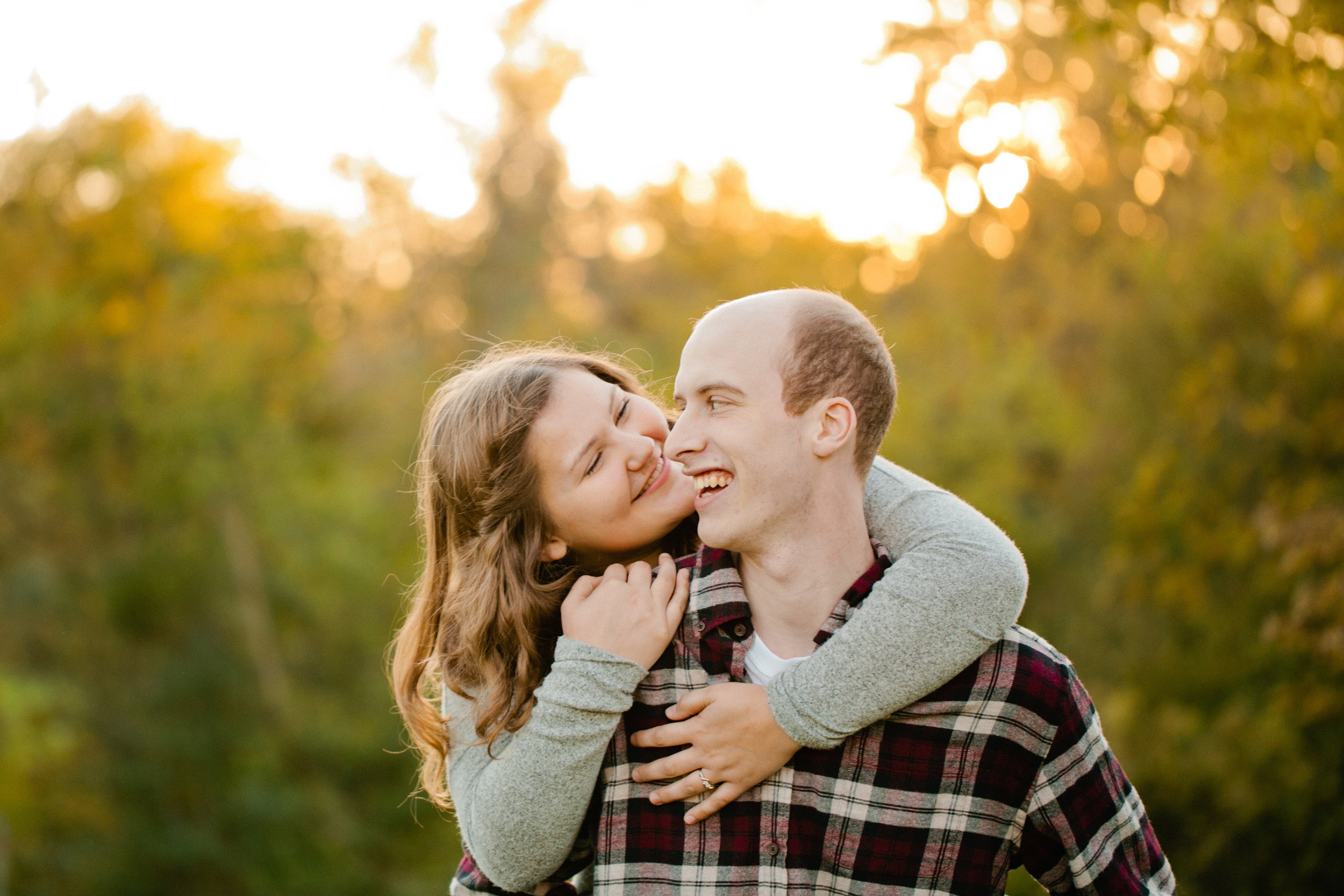 such a fun engagement session in the fall in Des Moines