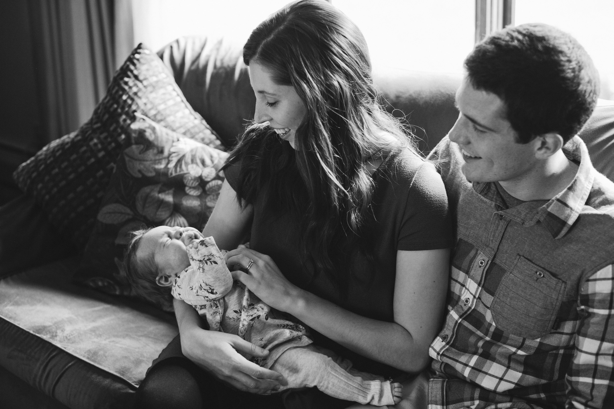 We photographed this sweet newborn session inside, since it was so cold outdoors the day we had picked for family photos! Isla was just getting tired, so we were able to caprue her awak and asleep. This in-home family lifestyle photo session is my new favorite.