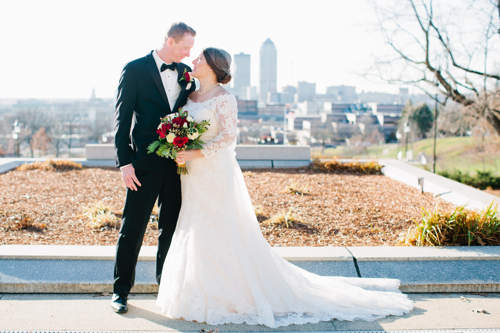 the best wedding photographers in Des Moines Iowa