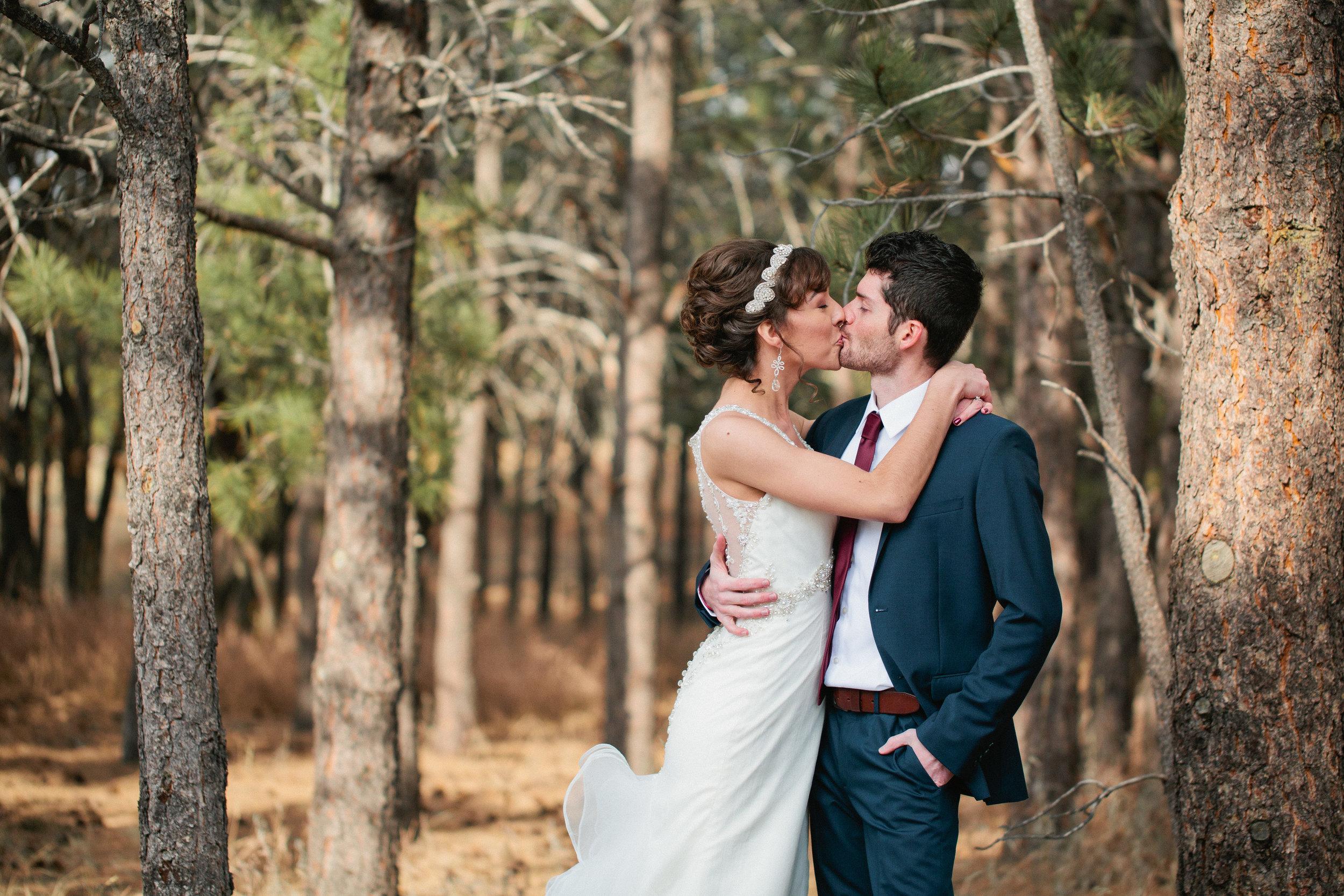 Red Rocks park wedding photos in Colorado Springs