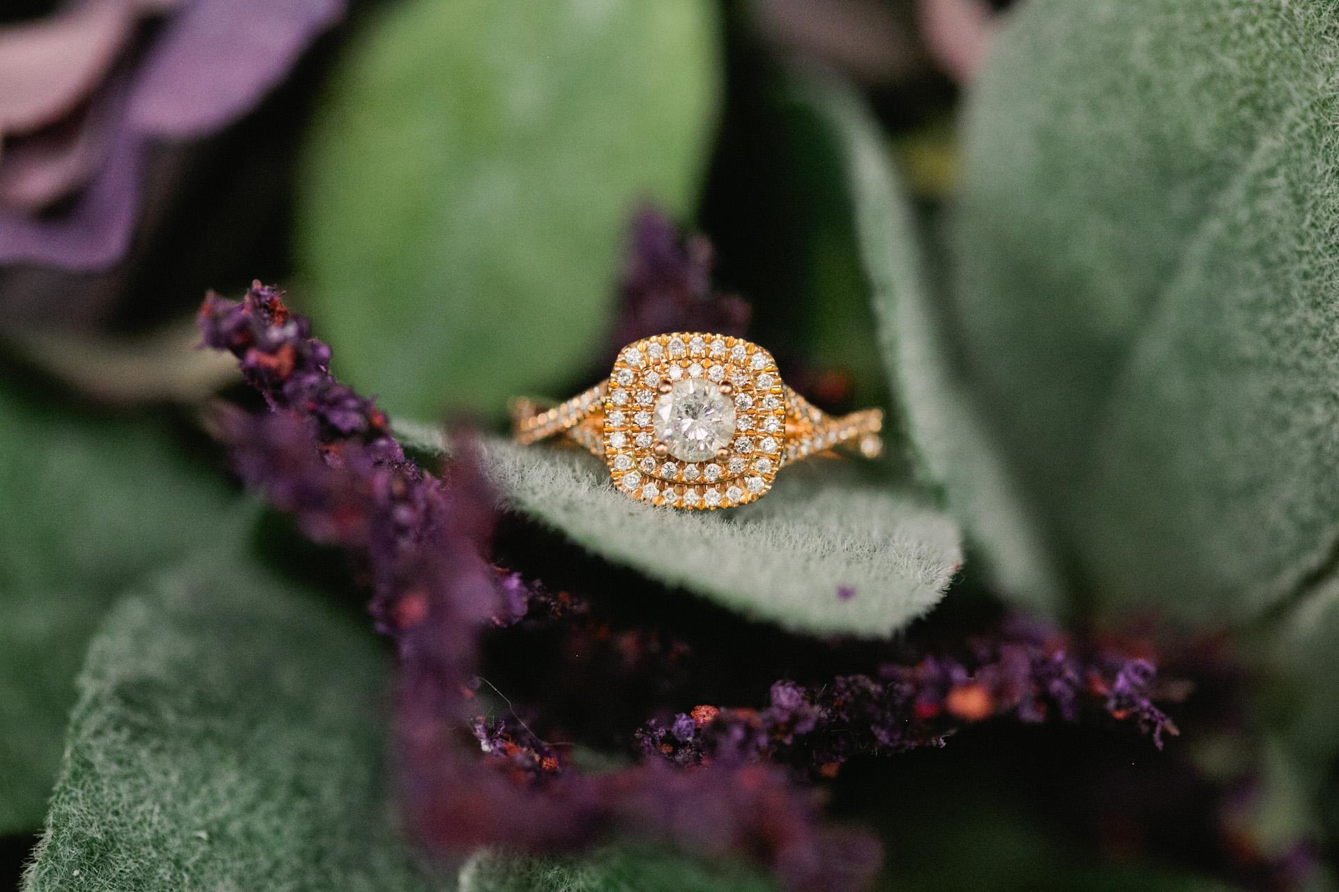 Gorgeous cluster ring gold and diamonds, high end Des Moines wedding photographers